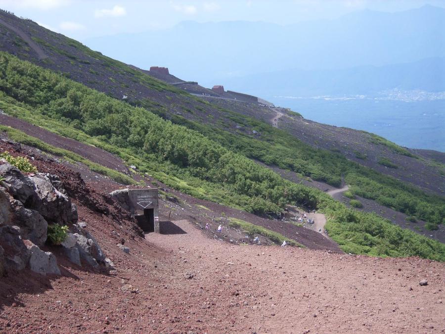 The descent on Yoshida Trailhead Route