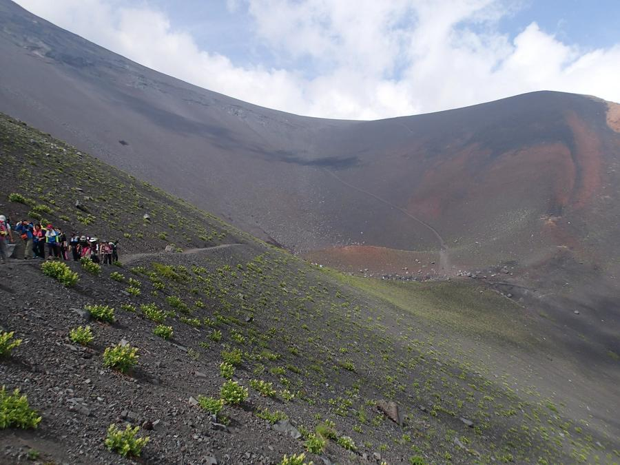 Walking towards the Hoei Crater
