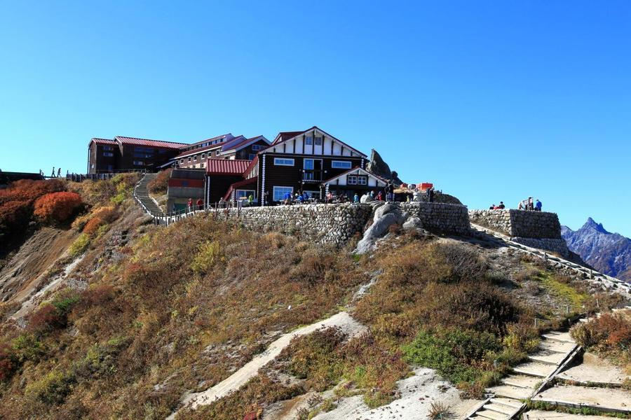 The popular Enzanso mountain hut is just below the summit of Mt. Tsubakuro