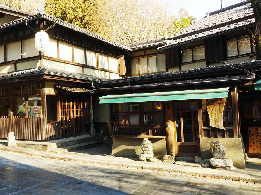 Shops at the foot of Mt.Takao sell its specialty soba noodles.