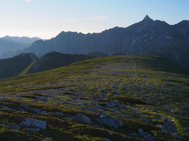 Mt. Yarigatake, as seen from the gentle ridgeline of Mt. Sugoroku.