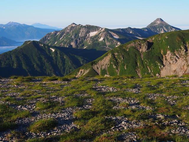 Looking toward Mt. Kasagatake from Mt. Sugoroku.