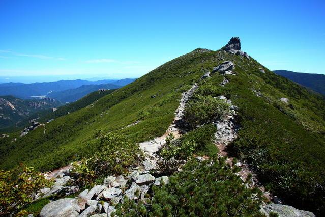 A view from Mt. Kinpu of the adjoining ridge.