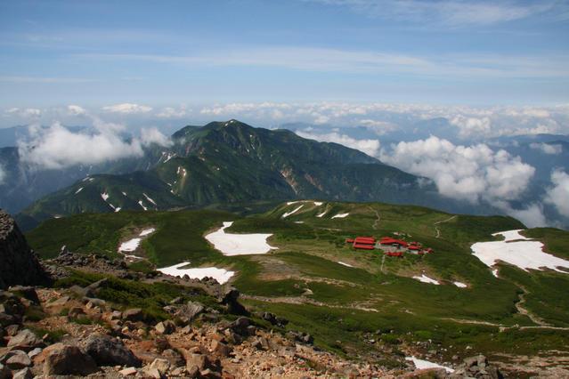 Murodo and Mt. Bessan, viewed from Mt. Gozengamine.