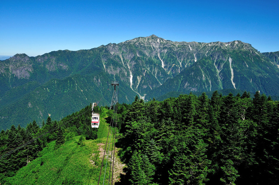 In late years, hiking with a ropeway is popular, too